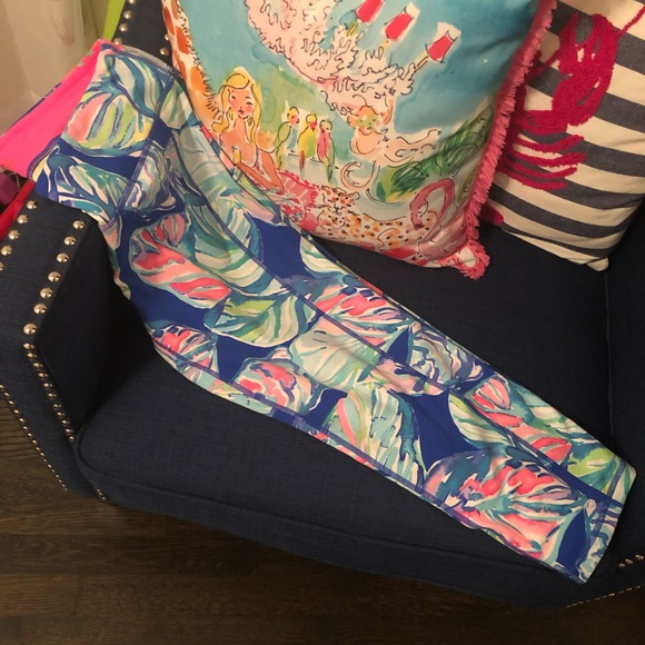 Lilly Pulitzer Pants - Lilly Pulitzer Luxletic Casa Del Sol Leggings Sz L